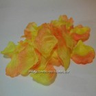 Лепестки роз оранжевые